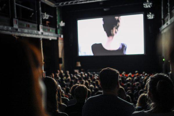 kurzsuechtig_kurzfilmfestival_leipzig_leinwand