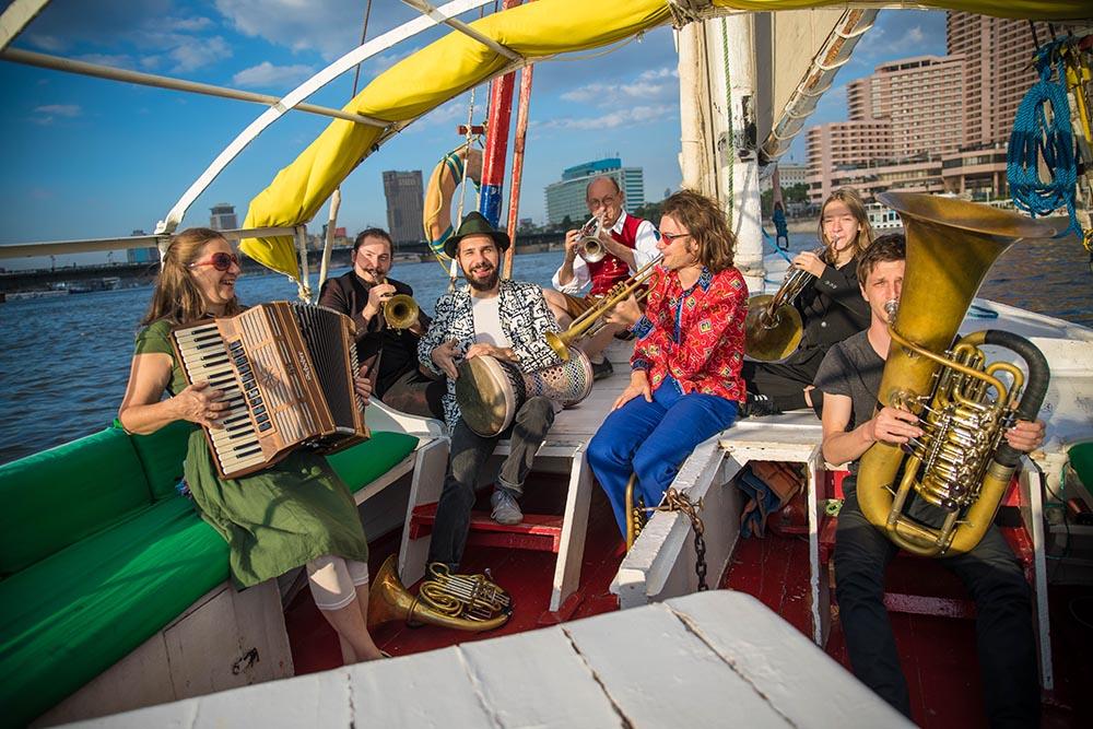 Bavarabica – Mit der Unterbiberger Hofmusik unterwegs in der Welt
